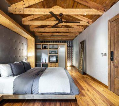 Łóżko drewniane czy tapicerowane – jakie wybrać?